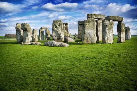 Stonehenge in England is aligned to the summer solstice and possibly a site ceremonies were held to celebrate it - By Mactographer - Own work, Attribution, https://commons.wikimedia.org/w/index.php?curid=12207110